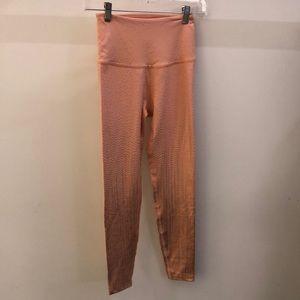 Beyond Yoga peach and gold legging, sz S, 70937